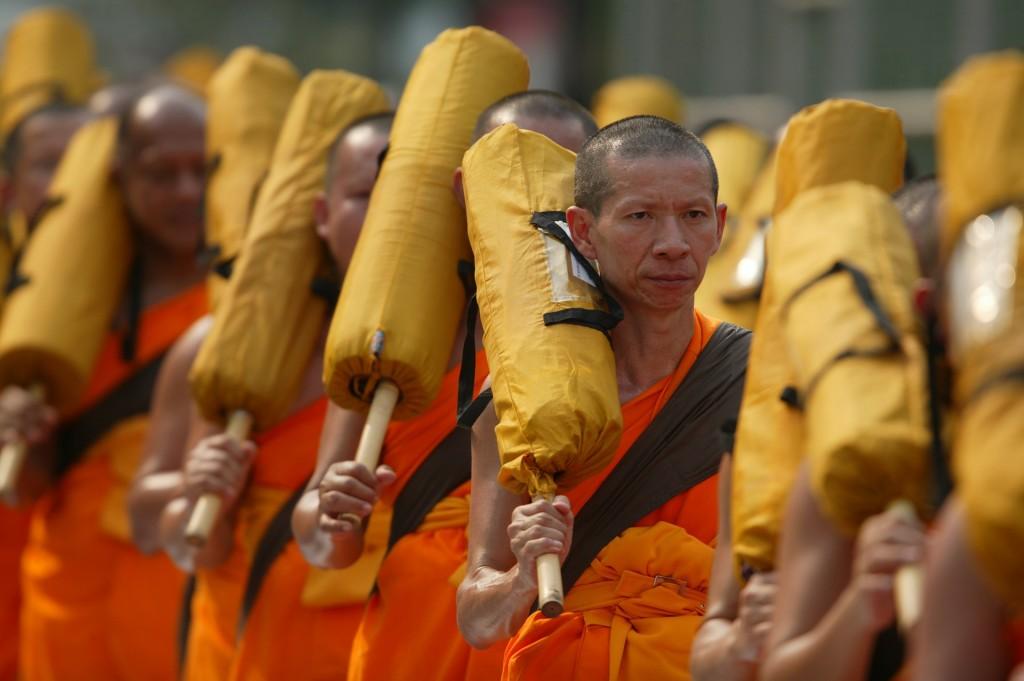 buddhists-456282_1920